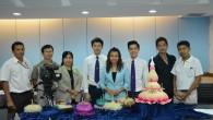 คณะเทคโนโลยีคหกรรมศาสตร์ มทร.พระนคร สาธิตการทำกระทงจากวัสดุธรรมชาติ ทางสถานีวิทยุโทรทัศน์แห่งประเทศไทย ช่อง 11 รายการสถานีนวัตกรรม มีกำหนดออกอากาศในวันที่ 30 ตุลาคม 2557 ถ่ายทำเมื่อวันที่ 21 ตุลาคม 2557 ณ ห้องประชุมบัวชมพู ชั้น 2 อาคารเรือนปัญญา คณะเทคโนโลยีคหกรรมศาสตร์ มทร.พระนคร สาธิตโดยอาจารย์รุ่งฤทัย รำพึงจิต อาจารย์ประจำสาขาวิชาการบริหารธุรกิจคหกรรมศาสตร์
